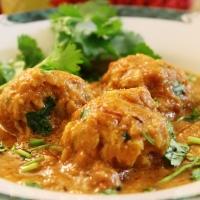 Lauki Kofta Curry / Bottle Gourd Dumplings In Indian Gravy