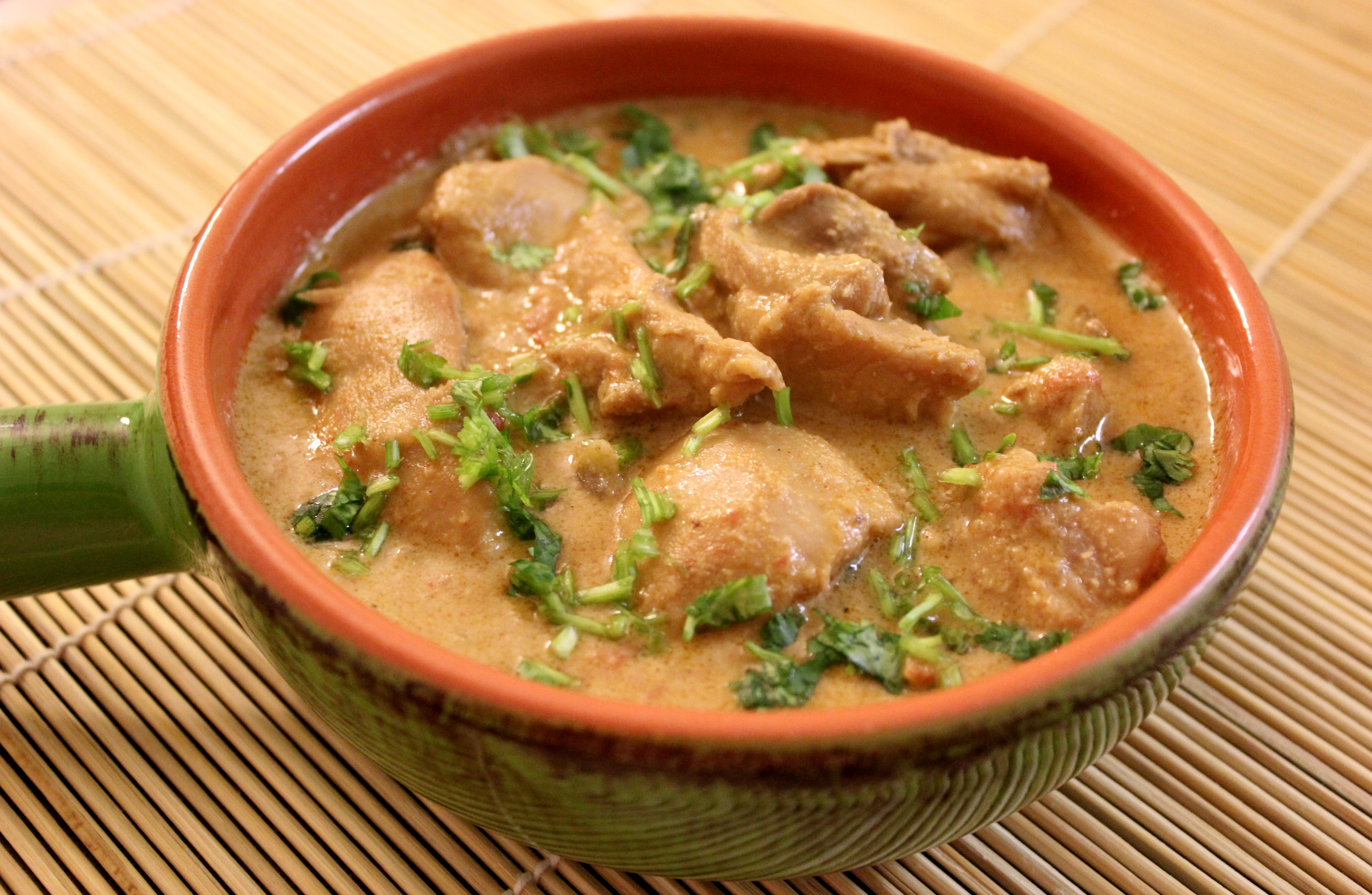 Chicken korma chicken curry with coconut and cashews aish cooks chicken korma chicken curry with coconut and cashews forumfinder Images