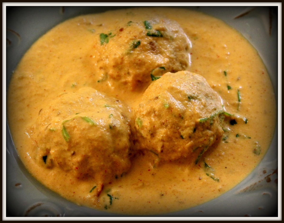 Malai Kofta Curry | Panner-Vegetable Dumplings in Creamy Indian Sauce