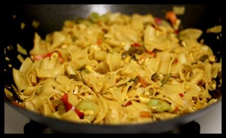 veg_noodles_stir_fry