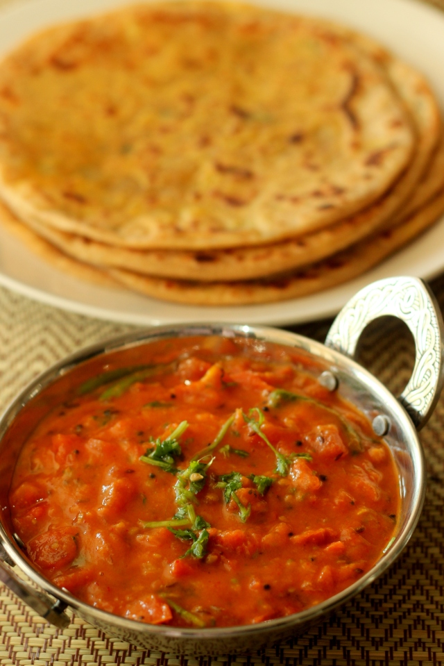 north-indian-style-tomato-chutney-with-chickpea-flour
