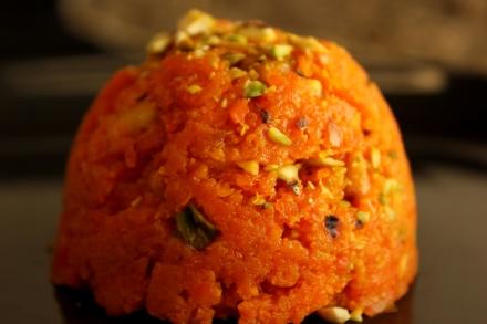 Gajar ka Halwa / Carrot Halwa, by AishCooks