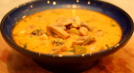 mushroom-coconut-milk-thai-inspired-soup-curry