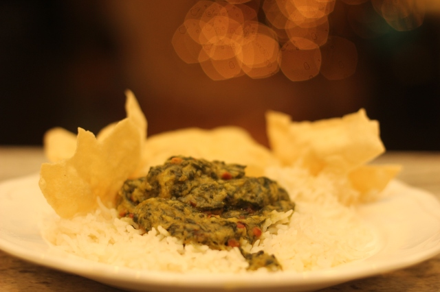 keerai-kootu-with-rice-and-appalam