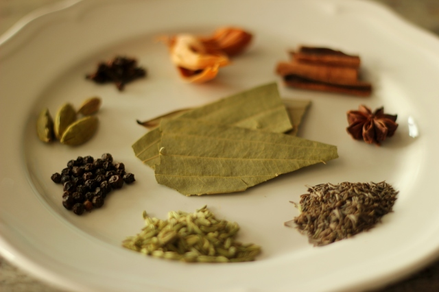spices-for-biryani-garam-masala